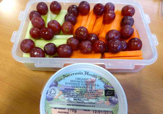 humous veg and grapes