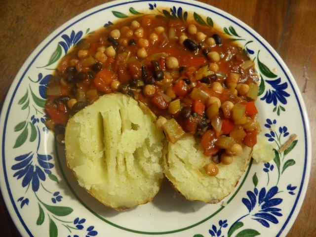 jacket potato and chilli