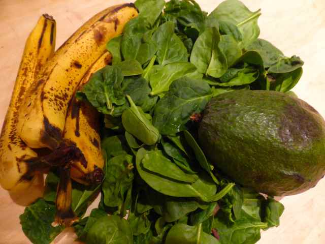 bananas, spinach and avocado
