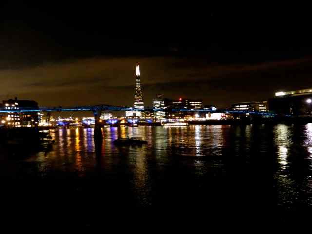 walk to Millenium Bridge