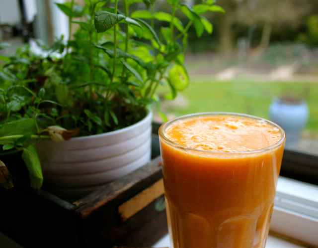 clementines and banana smoothie