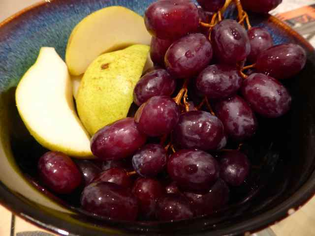 pear and grapes 1-4-15