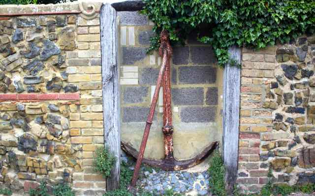 anchor in wall