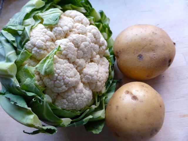 cauliflower and 2 potatoes