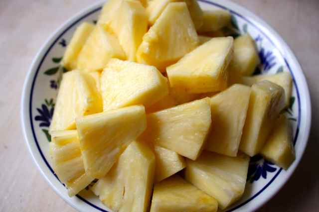 pineapple in bowl