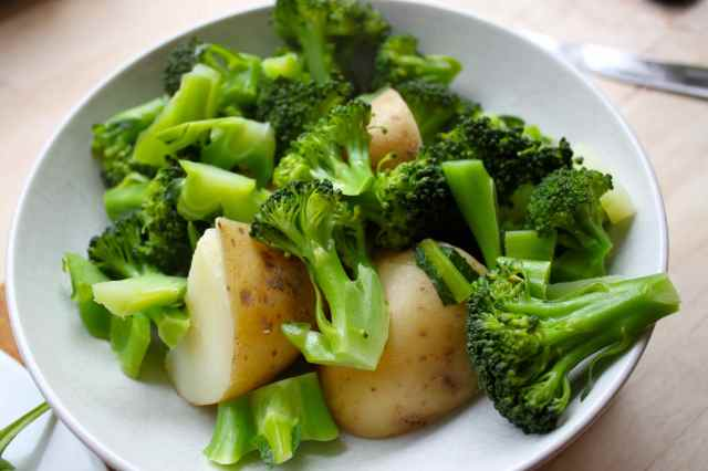 potatoes and broccoli