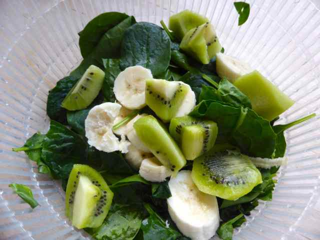 smoothie ingredients spinach