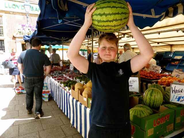 fruit stall in 7oaks