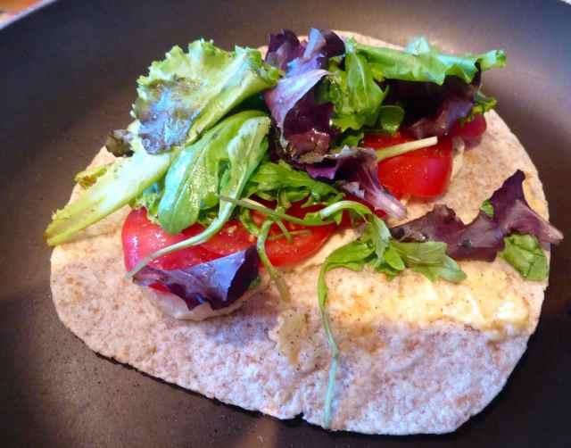 humius salad wrap