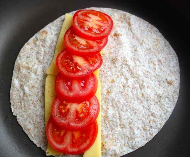 tomato and vegan cheese