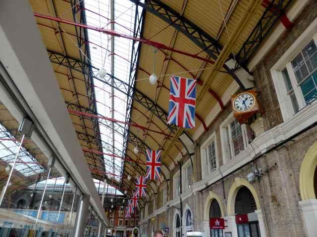 Victoria Station 1
