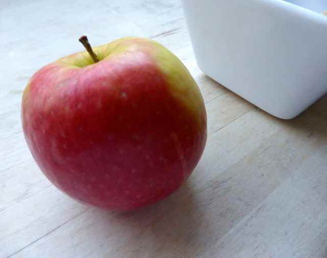 apple and white bowl