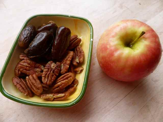 oecans, dates and apple